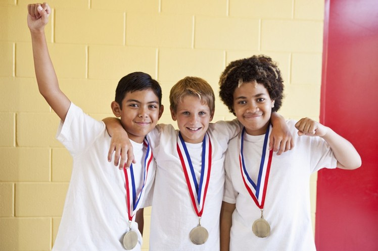 kids_with_medals_1050x700